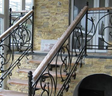 Кованая лестница КЛ05
