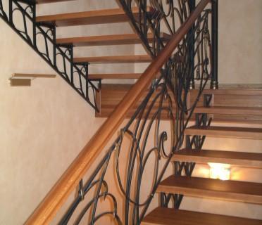 Кованая лестница КЛ09