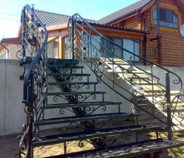 Кованая лестница КЛ10