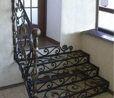 Кованая лестница КЛ11