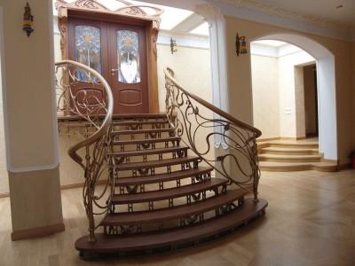 Деревянная лестница ДЛМ14