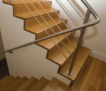 Деревянная лестница ДЛБ01