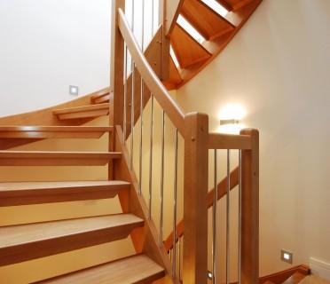 Деревянная лестница ДЛД05