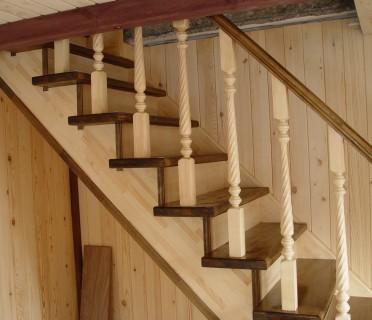 Деревянная лестница ДЛД06