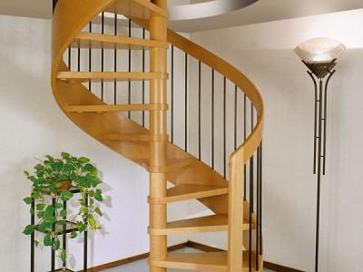 Деревянная лестница ДЛД08