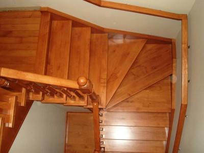 Деревянная лестница ДЛД13