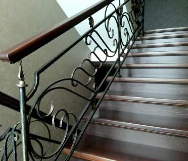 Кованые перила лестничные ПЕРК03