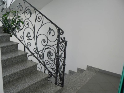 Кованые перила лестничные ПЕРК81